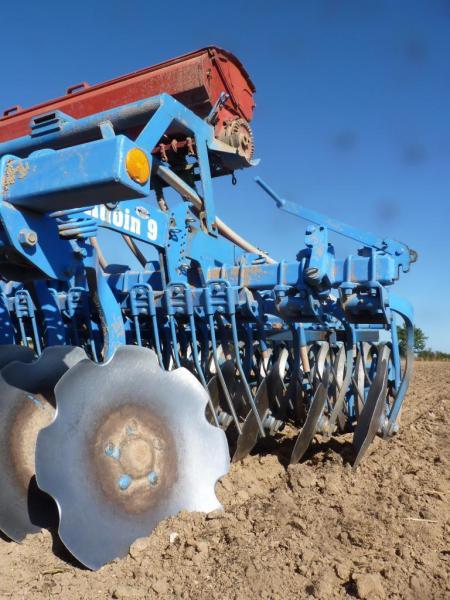 Technologie matériels de travail du sol