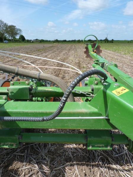Semis direct maïs Amazone EDX